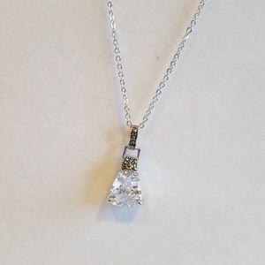 Jewelry - Gorgeous fashion necklace nwot